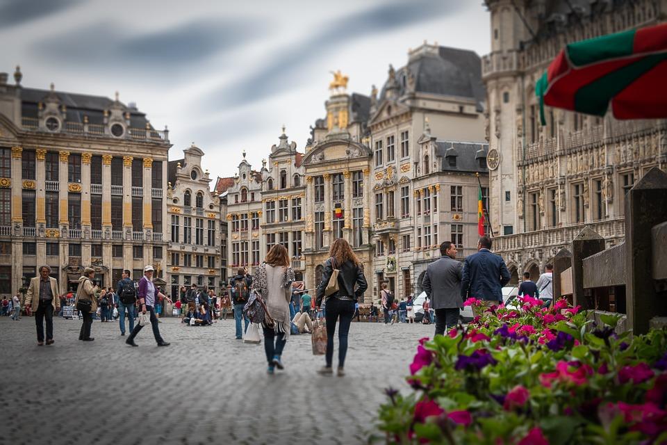 Lobbauksen ytimessä: matkakertomus Brysselistä